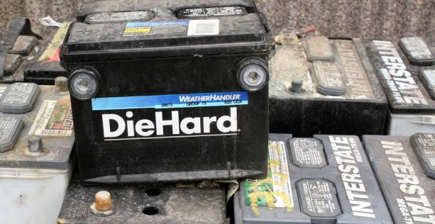 Batteria auto scarica: fare manutenzione