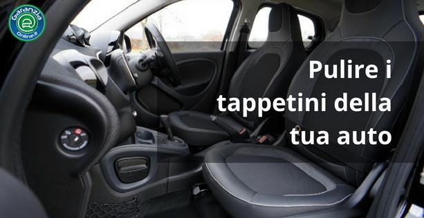 Come pulire i tappetini auto
