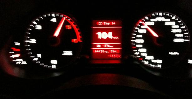 Consigli per guidare di notte e buone pratiche interno abitacolo