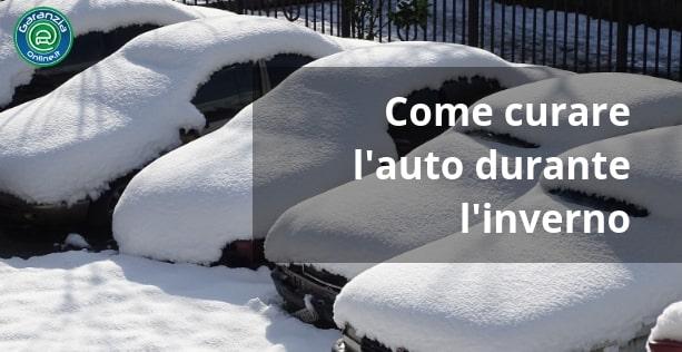 auto fuori in inverno