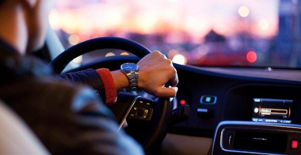 Ereditare auto: pratiche e regole da rispettare