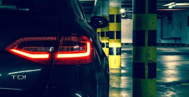 Come mantenere auto ferma per molto tempo?
