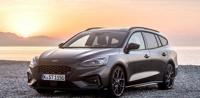Station wagon: Ford Focus