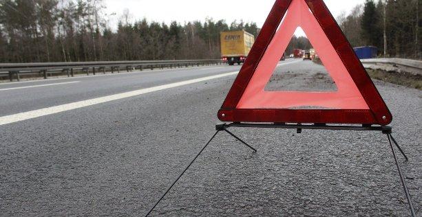 Cosa devo fare dopo un incidente stradale con feriti: usa il triangolo