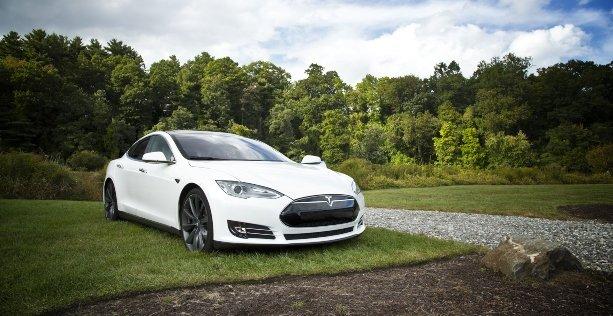 consigli per guidare auto elettrica