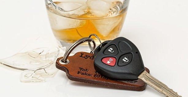 Guida in stato di ebbrezza, multe e sanzioni: quanto posso bere prima di mettermi al volante